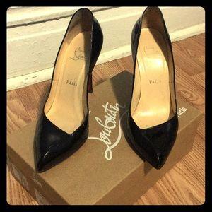 😍 Beautiful Christian Louis Vuitton Heels 😍